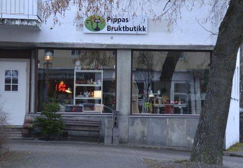 30 år gammelt: Irene Tranung driver Pippas Bruktbutikk. Hun har saker og ting fra 50-60- og 70-tallet. – Nå begynner 80-tallet å bli vintage også, så da må jeg ha litt fra det tiåret også, sier Irene, som åpnet bruktbutikk for snart tre år siden.