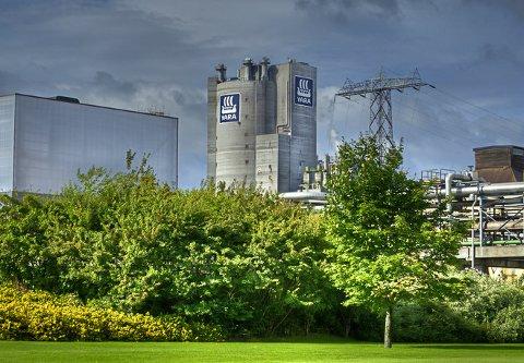 VARSLER STØY: I helgen varsles det økt støy fra Yaras fabrikker på Herøya.