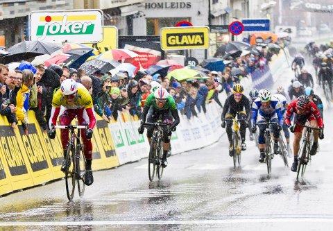 TILBAKE: I 2013 var Skien målby for Tour of Norway. Nå har rittet blitt enda større, med flere av verdens beste sykkellag på startstreken. Lørdag 1. juni starter sykkelsirkuset etappen fra Skien.