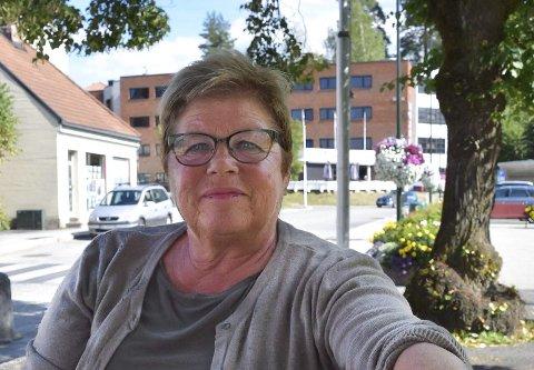 OMSORG, RESPEKT OG RETTFERDIGHET: – Det gjør vondt å vite at mange er ensomme og ikke inkluderes i samfunnet. Det kan vi gjøre noe med og jeg håper vi nå skal få tak i et lokale sentralt i Notodden for Kirkens Bymisjon, sier Liv Kasin som sammen med Lisbeth Bekkhus Solberg, Roger Nilsen, Berit Bolkesjø og Sverre Henriksen står bak initiativet for etablering av Kirkens Bymisjon som det 23. stedet i Norge som får tiltaket.