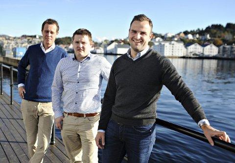 Gründere: Jonas Holm (fra venstre), Eskild Leikanger og Frank Berget er tre av gründerne av Maritime House. Fjerdemann, Yngve Nordhaug, var ikke med da bildet ble tatt.