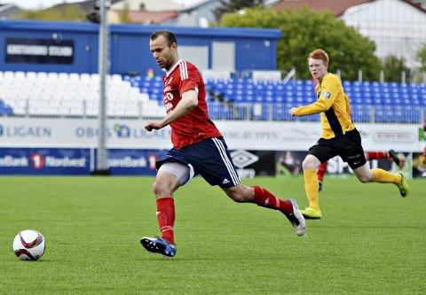 Målmaskinen Jan Roger Angvik i aksjon for KFK.