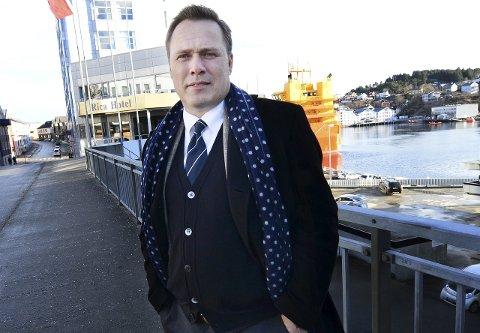 Advokat John Marius Dybvik er forsvarer for nordmøringen som er tiltalt i den meget alvorlige nettovergrepssaken.
