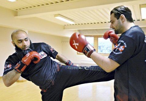 NYTT TILBUD: Shahid Rasool (til venstre) og Jonas Myhre håper mange vil være med når Fighters Gym åpner dørene 6. januar.