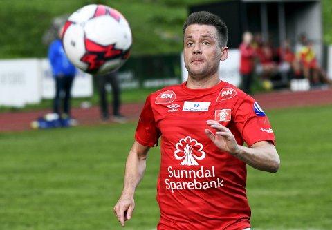 Tor Erik Torske og Sunndal kjemper om opprykk.