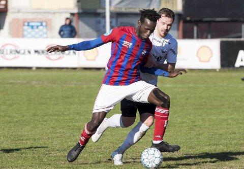 Prøvespiller: Mame Mor Ndiaye har scoret 16 mål på 40 kamper i Fram Larvik. Denne uka trener spissen fra Senegal i Kristiansund.foto: østlandsposten