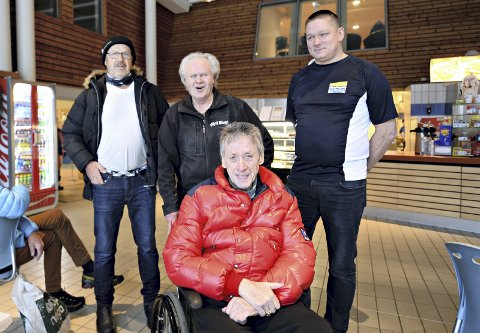 Åpner igjen: John Karlsen (fra venstre), Arne Louis Aabak og Tor Stolsmo er glad for at Per Inge Storvik og Atlanten Idrettspark kan åpne dørene i badeland igjen.