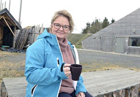 Anne Elisabeth Gjeldnes kan glede seg over et godt år for «Fru Guri av Edøy» i fjor. I løpet av de nærmeste årene håper hun at Gurisenteret kan klare å realisere planene om en ny utescene, kanskje med et langhus.
