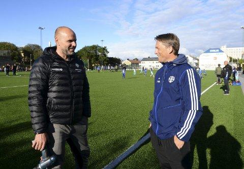 Jan Trygve Pedersen (til venstre) i CFK og Stig Flemmen i KFK er glad for at Idrett i dag framstår som en god bane for både organisert og uorganisert fotball. Det er brukt nesten 1 million kroner på å ruste opp anlegget.