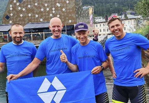 Tøffinger: John Oddvar Hopshaug (fra venstre), Ketil Gils, Erik Jordahl og Lars-Henning Grøtting var med i Trollveggen Triathlon.