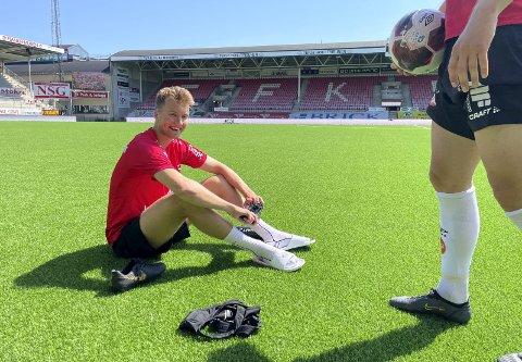 I form: Jesper Isaksen har funnet seg godt til rette i Fredrikstad. Mandag var han med å vinne 1-0 borte mot Raufoss. Det betyr at klubben fra Plankebyen etter 11 kamper er nummer to i 1. divisjon. Foto: Fredriksstad Blad