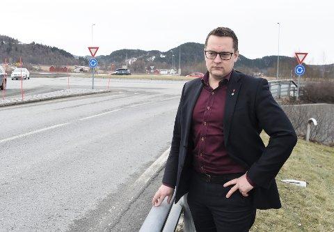 JOBBER FOR E14: Sammen med Meråker-ordfører Kjersti Kjenes og næringslivet i Trøndelag jobber Stjørdals-ordfører Ivar Vigdenes iherdig for at E14 igjen skal få innpass i Nasjonal Transportplan. Trafikken østover på strekningen mellom Stjørdal og riksgrensen har økt betydelig de seneste årene, ifølge et brev som er sendt til stortingspolitikere.