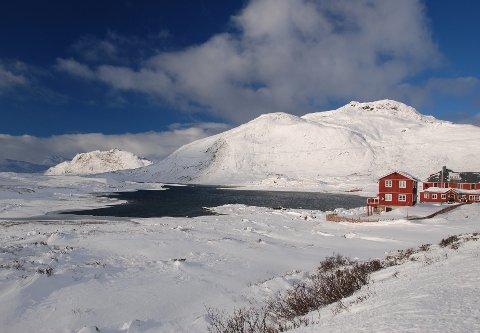 Løysing for i år: Bygdin Fjellhotell kan også denne vinteren nyte godt av brøytt veg mellom Garli og Båtskaret, men frå neste vinter er det definitivt slutt dersom ikkje fylkeskommunen gjer om på vedtaket frå 2016.