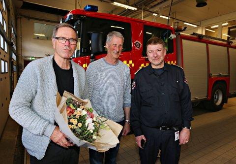 Kurt Orre (til venstre) gir seg etter mer enn 12 år som styreleder i Vestfold interkommunale brannvesen. På dagens møte i representantskapet valgte de fem ordførerne Thor Smith Stickler (midten) til ny styreleder i selskapet som ledes av brannsjef Per Olav Pettersen.