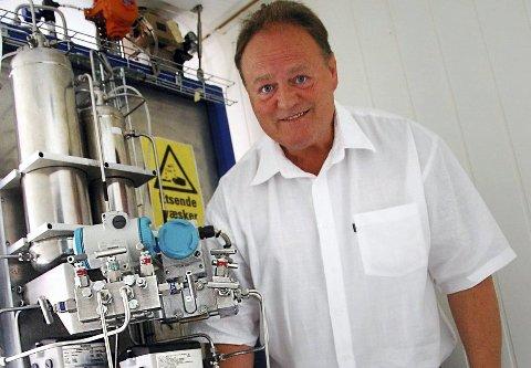 GRÜNDER: Åge Jørgen Skomsvold har jobbet med miljøteknologi i en årrekke gjennom selskaper som Rotoboost og Rotoreform. Sistnevnte er nå slått konkurs, men Skomsvold vil enten videreføre driften her eller starte et nytt selskap for å utvikle teknologien videre.