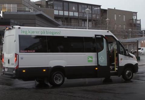 FLEKSIBELT: Pilotprosjektet VKT Bestilling lar brukerne bestille minibuss hjem til døra til gitte tidspunkt.
