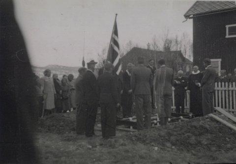 Tolga 1 mai 1940,begravelse .