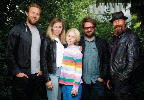 Nå har du sjansen til å spille i samme TV-serie som denne gjengen. Fra venstre: Tobias Santelmann, Marie Blokhus, Alma Günther, regissør Dagur Kári og Stig Henrik Hoff.
