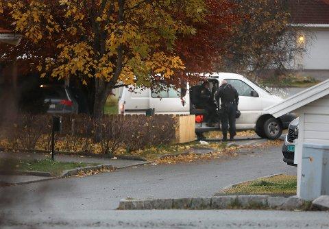Væpnet politi aksjonerte flere steder i Bodø torsdag.