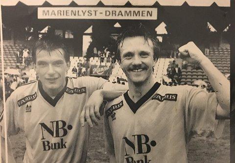 Målscorer Tom Erik Lund jubler sammen med Ola Haldorsen etter seier mot Strømsgodset i Drammen.