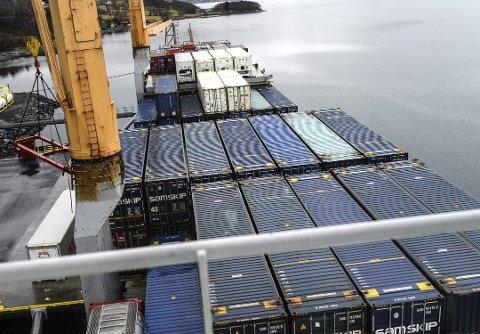 Forskjellig gods fra Møre og Romsdal-regionen kan nå transporteres direkte til Europa fra Gjemnes.