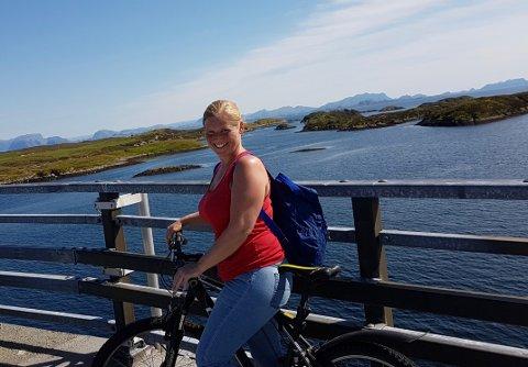 Linn Kjos Falkenberg på øyhopping på vakre Bulandet og Værlandet, noen av Norges vestligste øyer.