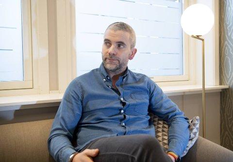 Bedrageritiltalte Eirik Hokstad og hans forsvarer mener det reelle tapet til Pareto Bank er vesentlig lavere enn banken opplyste i retten mandag.