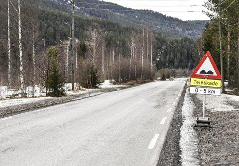 FIKK AVSLAG: Buskerud fylke vil ikke være med  på at Sigdal kommune er med og forskutterer midler slik at deler av fylkesvei 287 kan oppgraderes til en høyere standard enn da veien i sin tid ble bygget.