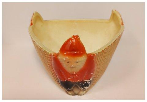 ENESTE?: Eieren av nisseskåla kjøpte den på Eie Stentøifabrik i 1961.