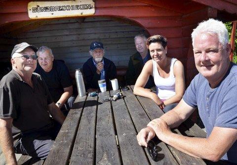 Laksefiskere: Roar Askim (f.v.) Arne Kristensen, Rolf Martinsen, Jan Erik Røren, Ann Kristin Vie og Geir Nyhus