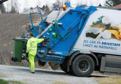 Det blir ti prosent dyrere å få tømt avfallsdunken hjemme neste år.