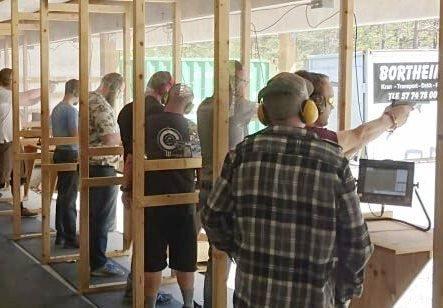 JUBILANT: Florø pistolklubb fyller 50 år i år, og det er i samband med jubileumsåret at klubben verkeleg trør til og tek på seg eit så stort arrangement.
