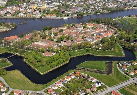 Fortidsminneforeningen Østfold og foreningen Gamle Fredrikstad arrangerer håndverksdag i Gamlebyen lørdag 14. september.