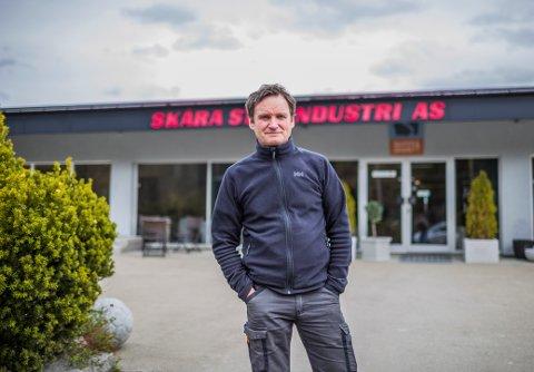 NYE MASKINER: Skåra Stenindustri økte omsetningen i 2019 og eier Geir Henriksen skal fornye maskinparken til virksomheten, noe han gjør omtrent hvert 10. år.