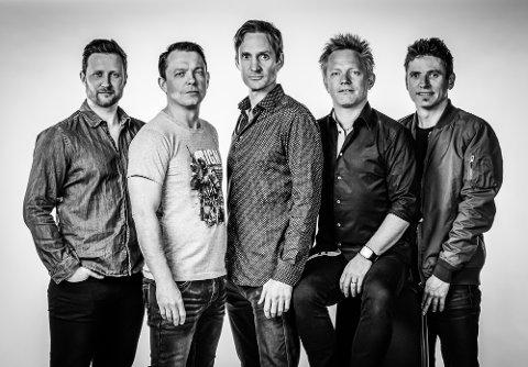 POSTGIROBYGGET OG IDYLL: Arne Hurlen, Per Sarin Madsen, Nicolai Hauan, Daniel Hovik og Nils Petter Time kommer til Idyll 2021.