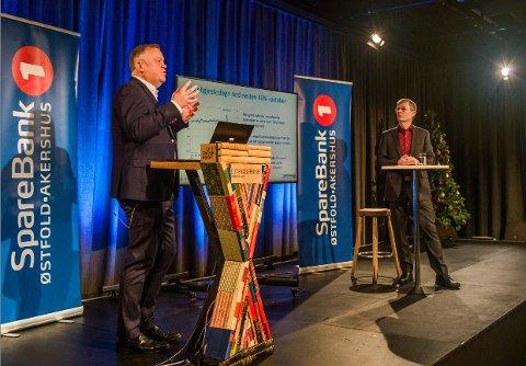 Mange følger med når finanssjef Henry Tvete (nærmest) i Sparebank 1 Østfold Akershus tar for seg økonomiske utsikter.