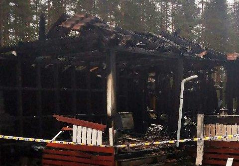 TOTALSKADD: Huset i Odalen ble totalskadd i brannen.