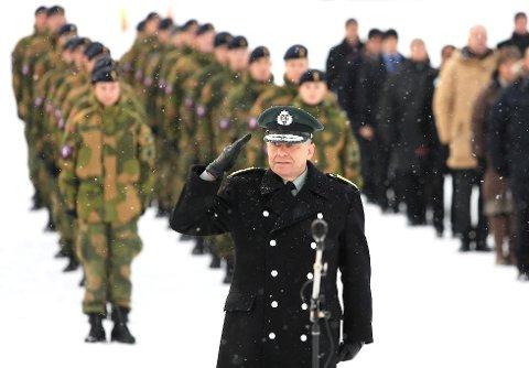 Sjef med tung erfaring: Generalmajor Odd Egil Pedersen er sjef for Cyberforsvaret på Jørstadmoen.