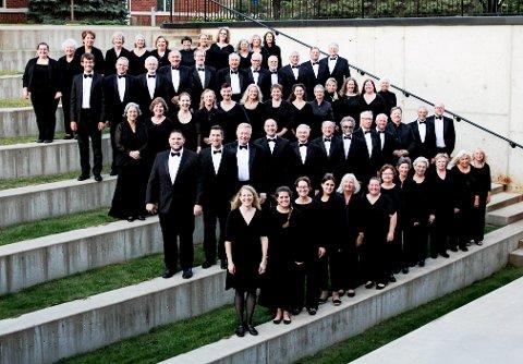 ÅPNER  I KIRKEN: Koret Minnesota Center Chorale fra USA er først ut i sommerkonsertserien i Lillehammer kirke, 24. juni.