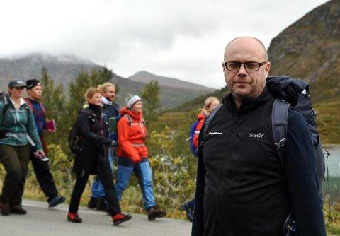 Nasjonalparkriket Reiseliv skal ta opp kampen med de store bookingselskapene og tilby direktesalg i egen nettportal. - Tiden er moden, mener reiselivssjef Ole Erik Bjørnstadhaugen.
