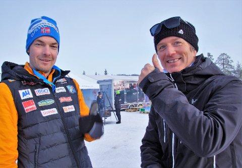 TOMMELEN OPP FOR LYGNA: Peder Nævestad (til venstre) og Terje Lund fra Norges Skiforbund heier på Lygna Skisenter.
