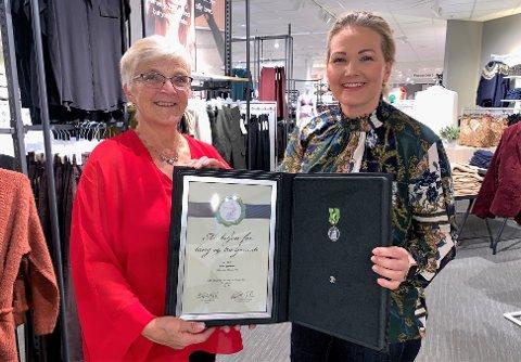 GODE KOLLEGER: Om et år slutter Eva Gjerdrum på Lindex etter 30 år. - Vi kommer til å savne henne veldig, sier butikksjef Merethe Johansen.