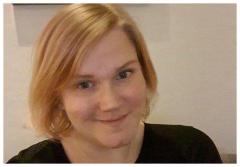 IKKE FORNØYD: May Lise Igelsrud er lærer med mange nærkontakter hver dag. Derfor er hun lite fornøyd med at hun nå havner bakerst i vaksinasjonskøen.