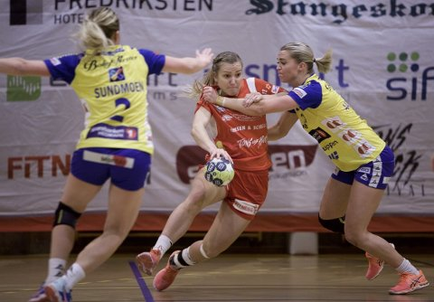 Isabelle Hultengreen og HHK i aksjon mot Storhamar i Remmenhallen.
