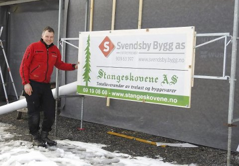 EGET FIRMA: Ole Morten Svendsby har bygd hus i over 20 år, det siste året med 100 prosent egeteid firma. Foto: Terje Vidar Høvik