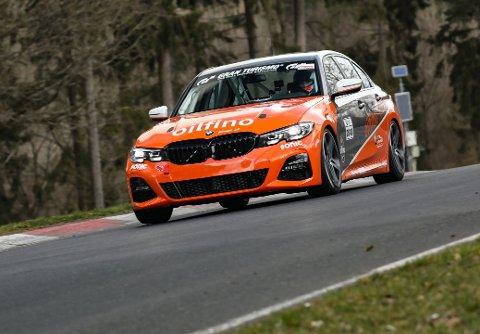 NY BIL: Inge Hansesætre gjør seg klar for en ny sesong i det tyske langdistansemesterskapet i racing - med ny bil og i nytt team.