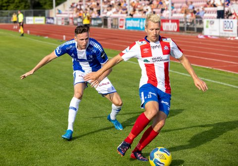 ET STEG FORAN: I 2. omgang var ofte Mathias Engebretsen og Kvik steget foran elitespillerne fra Sarpsborg 08.