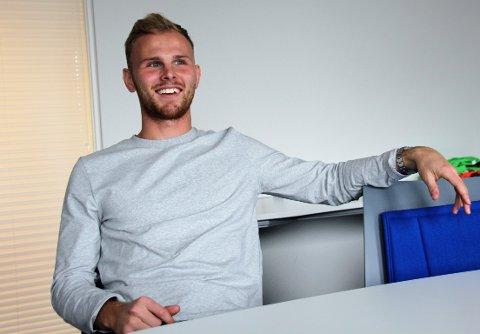 INGEN NEDTUR: Mikkel Desler var fast på aldersbestemte landslag i Danmark, men synes ikke det er noen nedtur å være i FKH nå,.