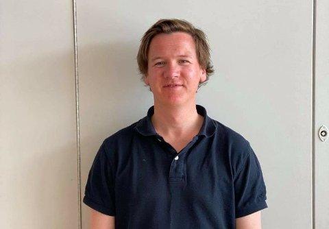AKTIVITET FOR UNGE: Alt fra båtførerprøven til SUP og yoga står på programmet under sommerskolen til Haugesund kommune. Vidar Bachmann (36) er nyansatt prosjektleder.