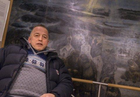 SENDTE HATMELDING: Eirik Nilsen, her i forbindelse med arbeidet for gruppa Refugees welcome to the arctic. Foto: Ole-Tommy Pedersen